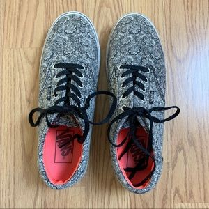 Vans Off The Wall Black/White Print Sneakers Sz 7
